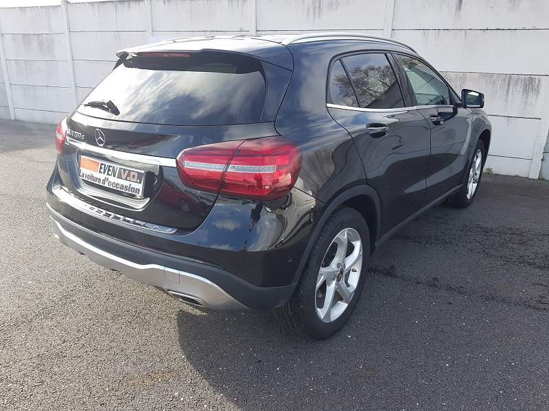 Photo 2 de l'offre de MERCEDES-BENZ CLASSE GLA (X156) 200 D 136CH SENSATION 7G-DCT EURO6C à 28000€ chez Even VO